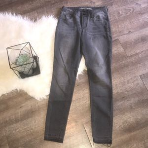Super soft Old Navy Rockstar Grey Jeans Sz2
